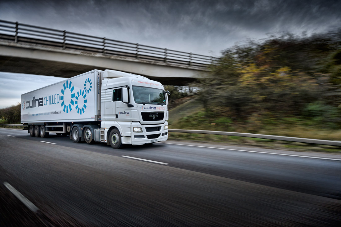 Automotive tracking photography of a lorry